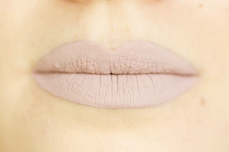 Makeup Monsters Matte Liquid Lipstick Muddled, makeup monsters, makeup monsters matte liquid lipstick, liquid lipstick, beautyblog, fashion blogger, fashion is a party, grijze lipstick, beige lipstick, makeup monsters nederland, boozyshop, makeup monsters swatches