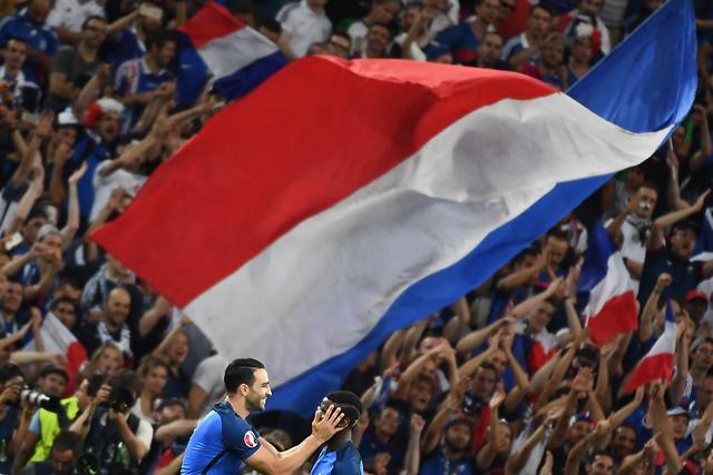 Francia gana a Alemania 2 a 0