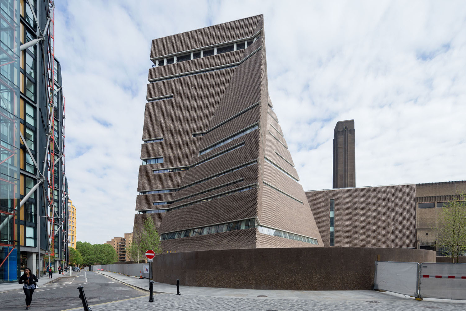 Tate Modern Switch House design by Herzog & de Meuron