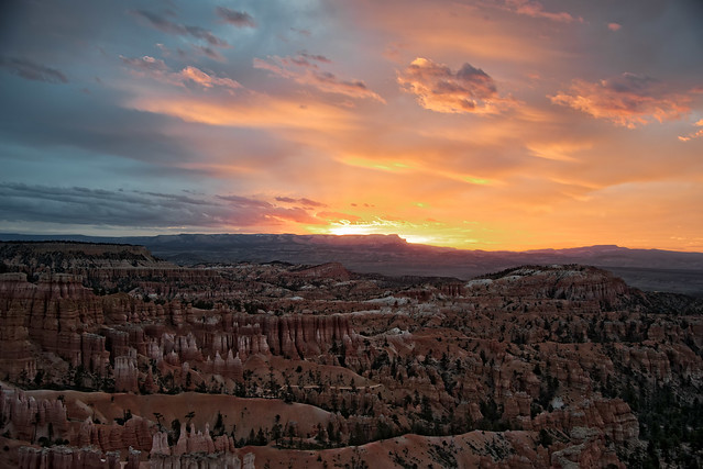Sunrise Over Bryce Canyon Sunset Point