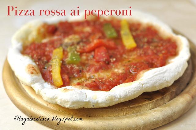Pizza rossa ai peperoni