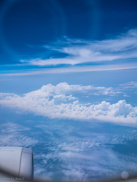 鳥瞰・雲層之上