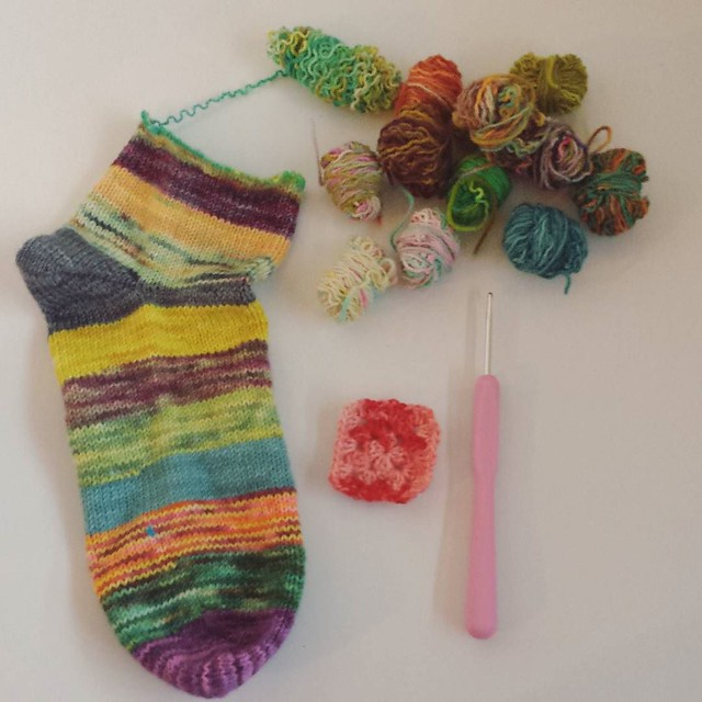 dove straight in and started frogging! I'm going to make little granny squares with the yarn 💕 fun fun! #grannysquaresrock #scrappysocks #knittersofinstagram #craftastherapy #crochetersofinstagram #socktawk