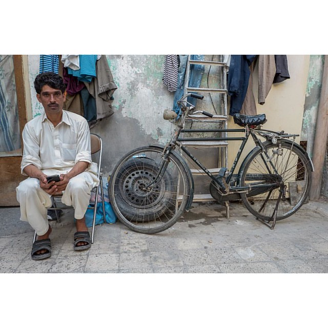 #friday #walk #doha #qatar #bicycle #man #street #streetphotography #photo #instaphoto #instagood