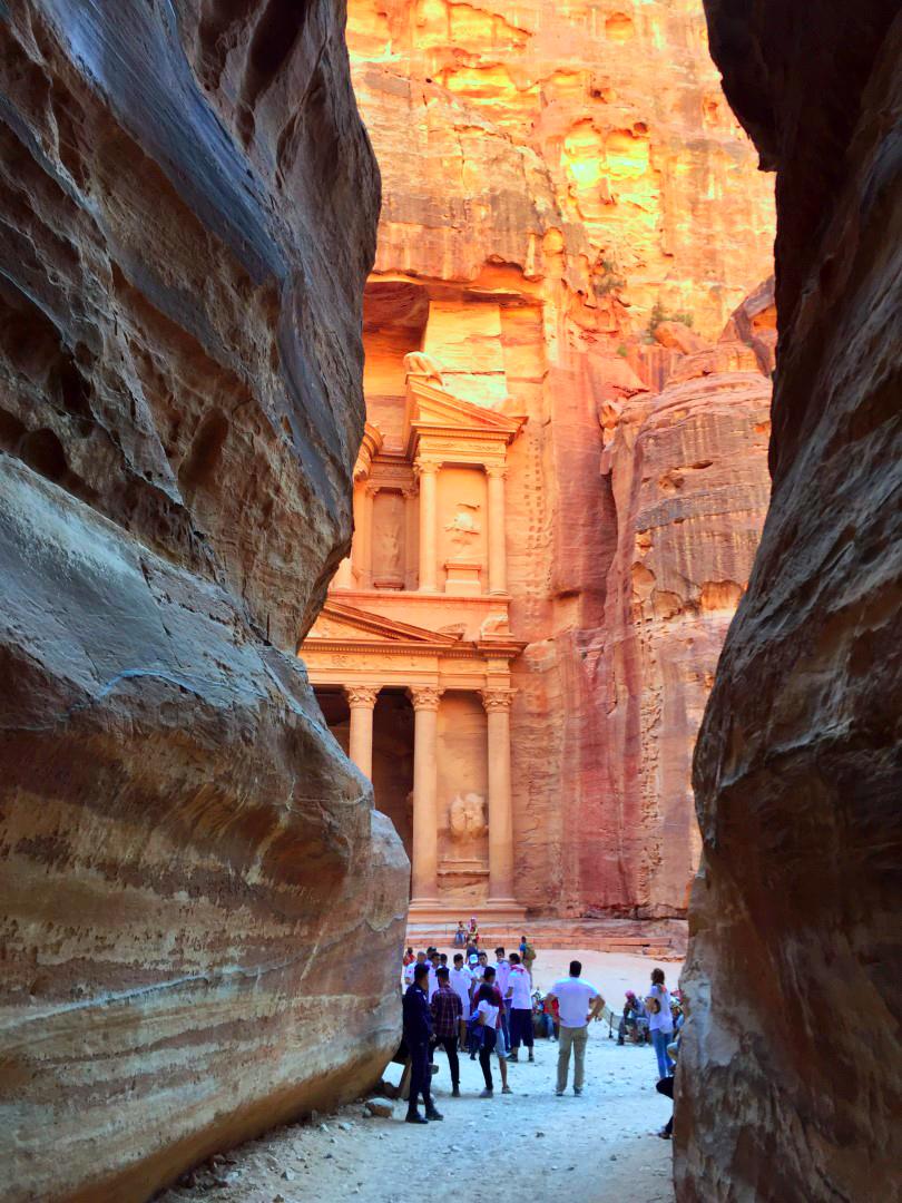 El Siq en Petra, Jordania petra, jordania - 27758490734 3352179a93 o - Petra, Jordania