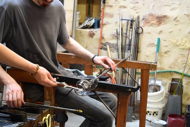 Glass Shaping in Terrasson, Aquitane | www.rachelphipps.com @rachelphipps