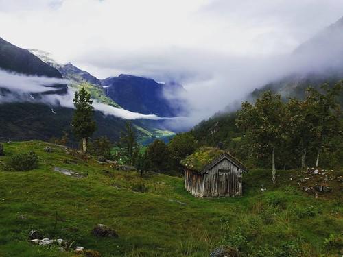 Secret cabin with a scenic view ️💙 -- 2016 Norway trip -- #hiking #naturelover #naturelovers #outdoors #nature #getoutside #mountains #mountainlove #mountain #thegreatoutdoors #lake #oldedalen #landscape #norway #norge #wearenordic #thisisnorwa