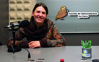 A Micro Obert - 13x18 - 11-04-16 - Laura Queral, Directora Escola de Naturalistes Lo Caro + logo