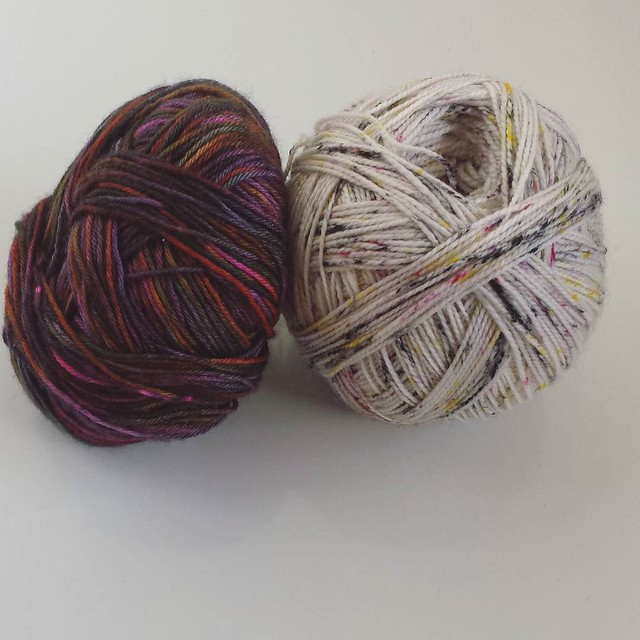 I really want to cast on a pair of Jelly Roll socks today and I think I've finally settled on the yarns for my first pair. I already know there will be more than one pair! 😊 it's @hedgehogfibres and #knitpicks #knittersofinstagram #socktawk #sockkni