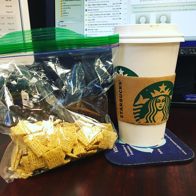 @dimitri_bostinelos . In the cup... Pumpkin Spice. In the bag, pumpkin spice Life Cereal. 🎃 #pumpkinspiceeverything #happyfall