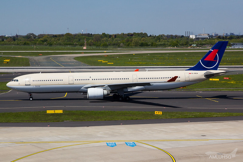 Onur Air - A333 - TC-OCA (1)