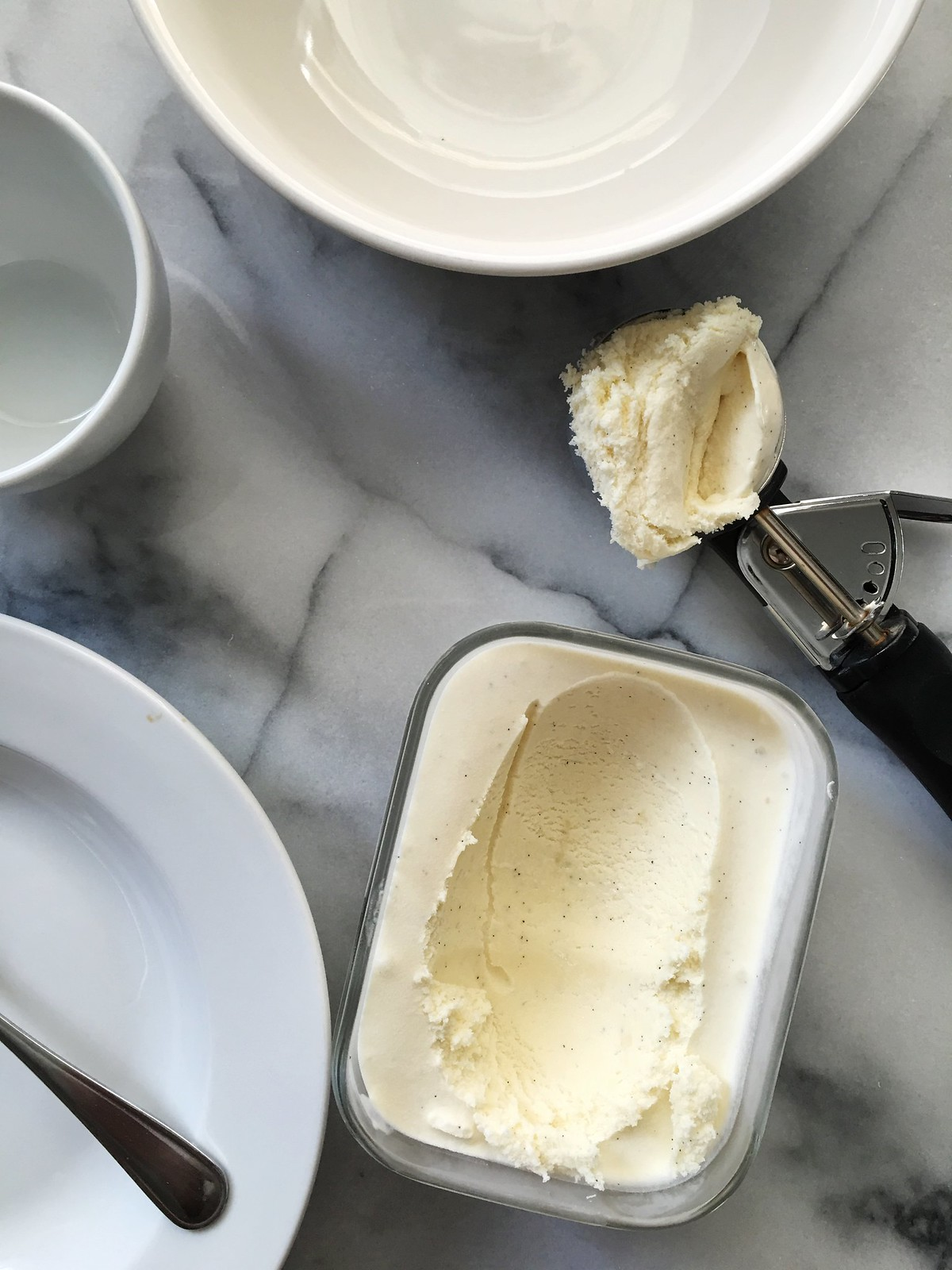 Blue Ribbon Vanilla Ice Cream from Kitchen in the Hills. Made with a creamy custard base and real vanilla bean. Summertime classic. #homemade #icecream #vanilla #summer #dessert