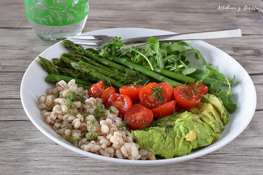 Barley asparagus salad with avocado