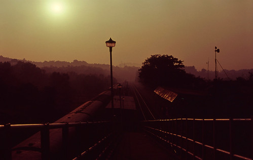 how to go goa by train