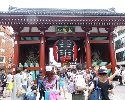 jp16-Tokyo-Asakusa-Arcades (1)