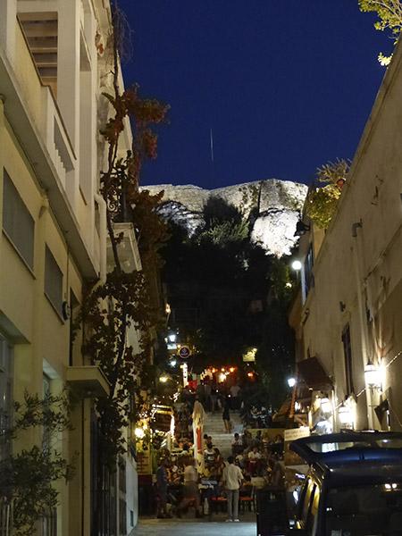 anafiotika et l'acropole de nuit