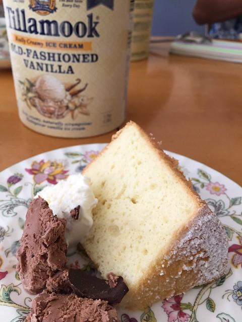 Chiffon cake w/ Tillamook ice cream