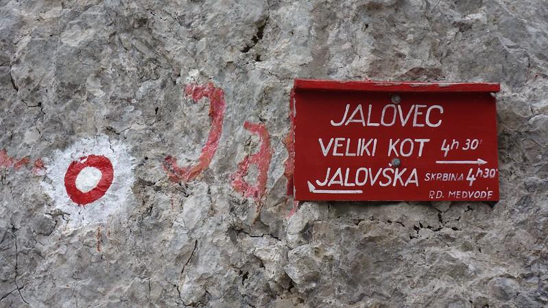 Alle wegen leiden naar de Jalovec.