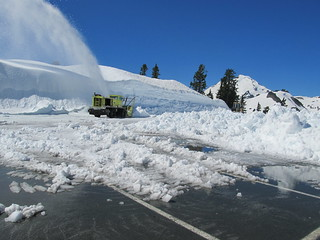 Clearing the upper parking lot at Artist Point | by WSDOT