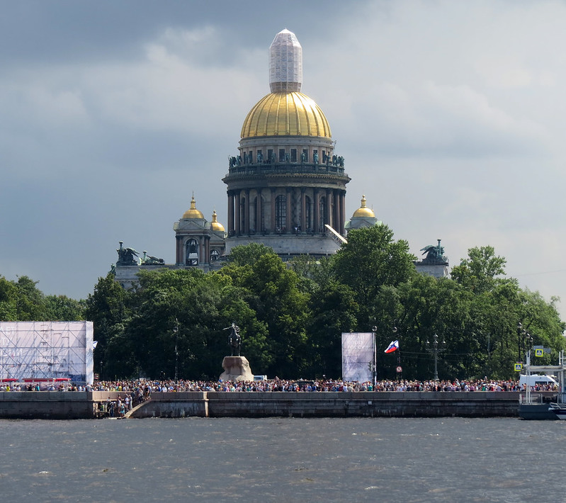 Сенатская площадь  и Исаакиевский собор