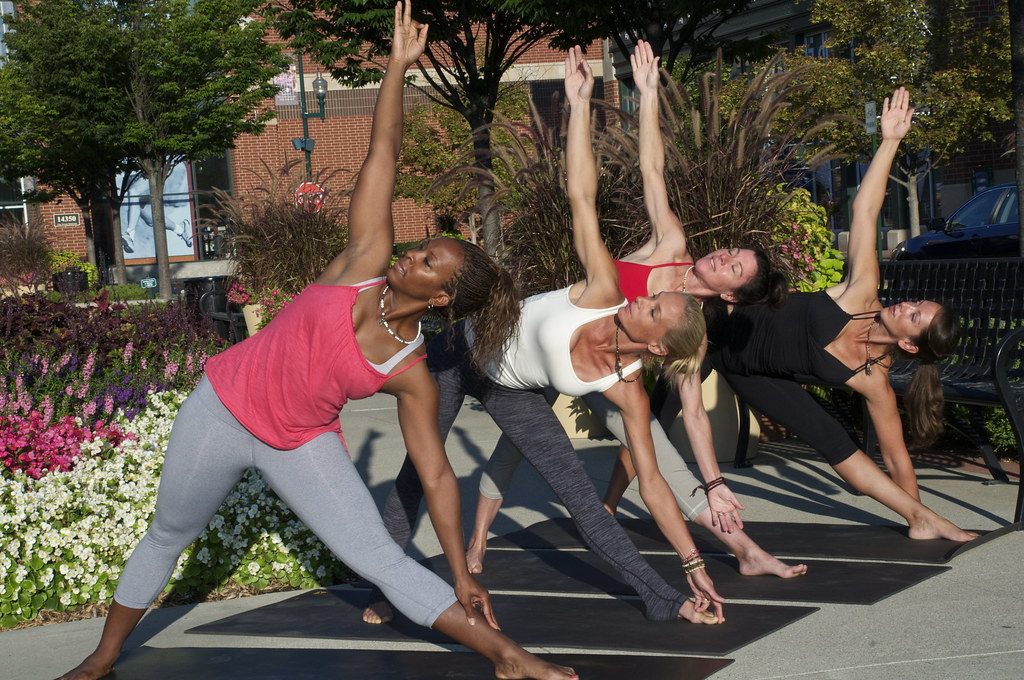 YOGA Triangle Pose_Instructors