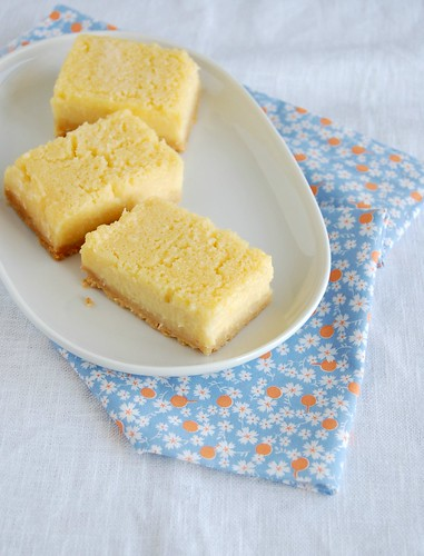 Melt and mix lemon bars / Barrinhas de limão siciliano do Bill | by Patricia Scarpin