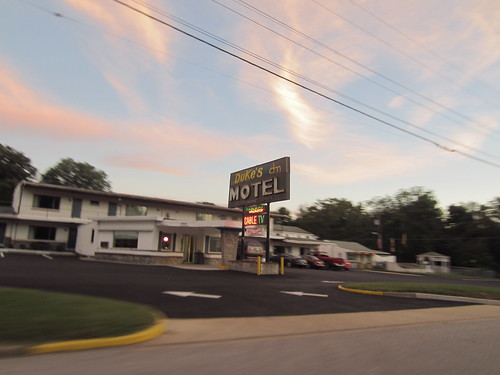 on the drive to the drive-in #3 - Duke's Motel | by Zombie37