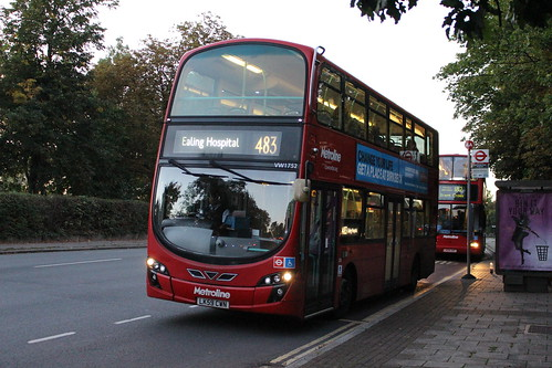 Metroline West VW1752 on Route 483, Northwick Park Hospital