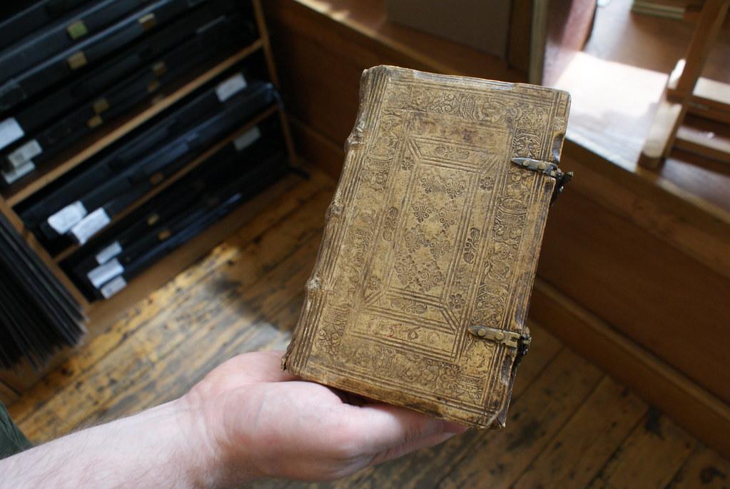 Livres du 17 ou 18e siècle dans une boutique de Cecil Court à Londres.