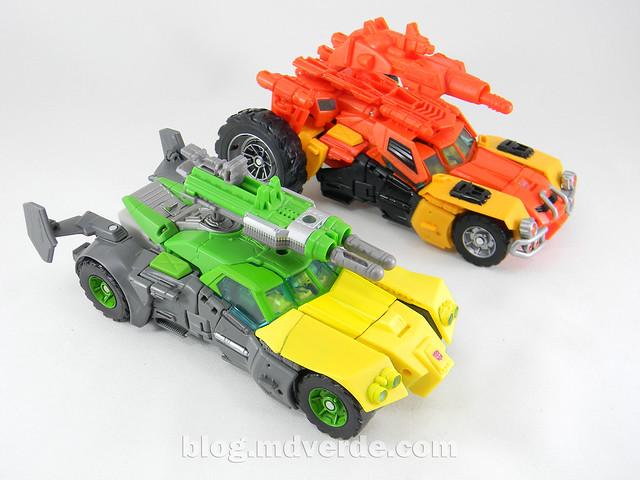 Transformers Sandstorm Voyager - Transformers Generations Takara - modo automóvil vs Springer