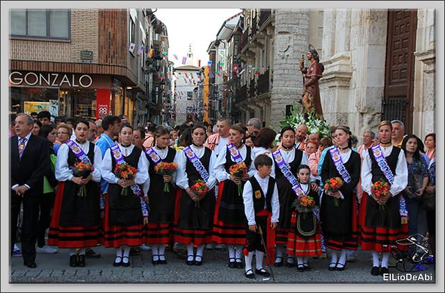Briviesca Fiestas 2016 Procesión del Rosario y canto popular de la Salve  (11)
