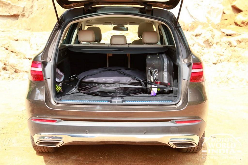 Mercedes-Benz-GLC-Boot