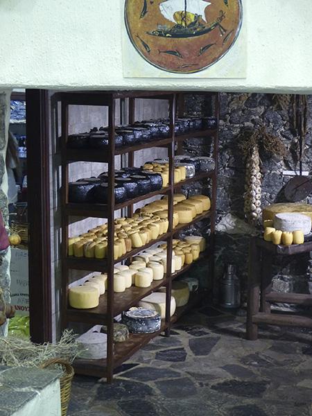 dans la cave à fromages