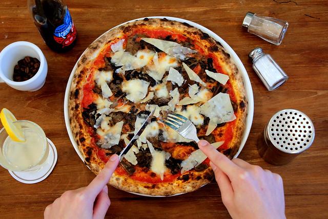 Plank Pizza flatlay