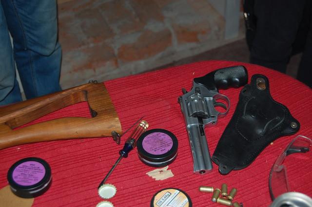 На Чернігівщині СБУ викрила підпільну майстерню з виготовлення вогнепальної зброї
