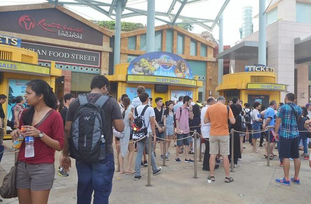 universal studios singapore ticket queue