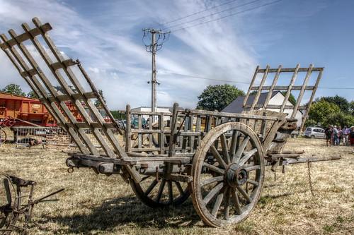 Plumieux - Fête des battages 2016 - hay cart
