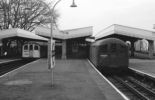 1959 and 1938 stock Golders Green
