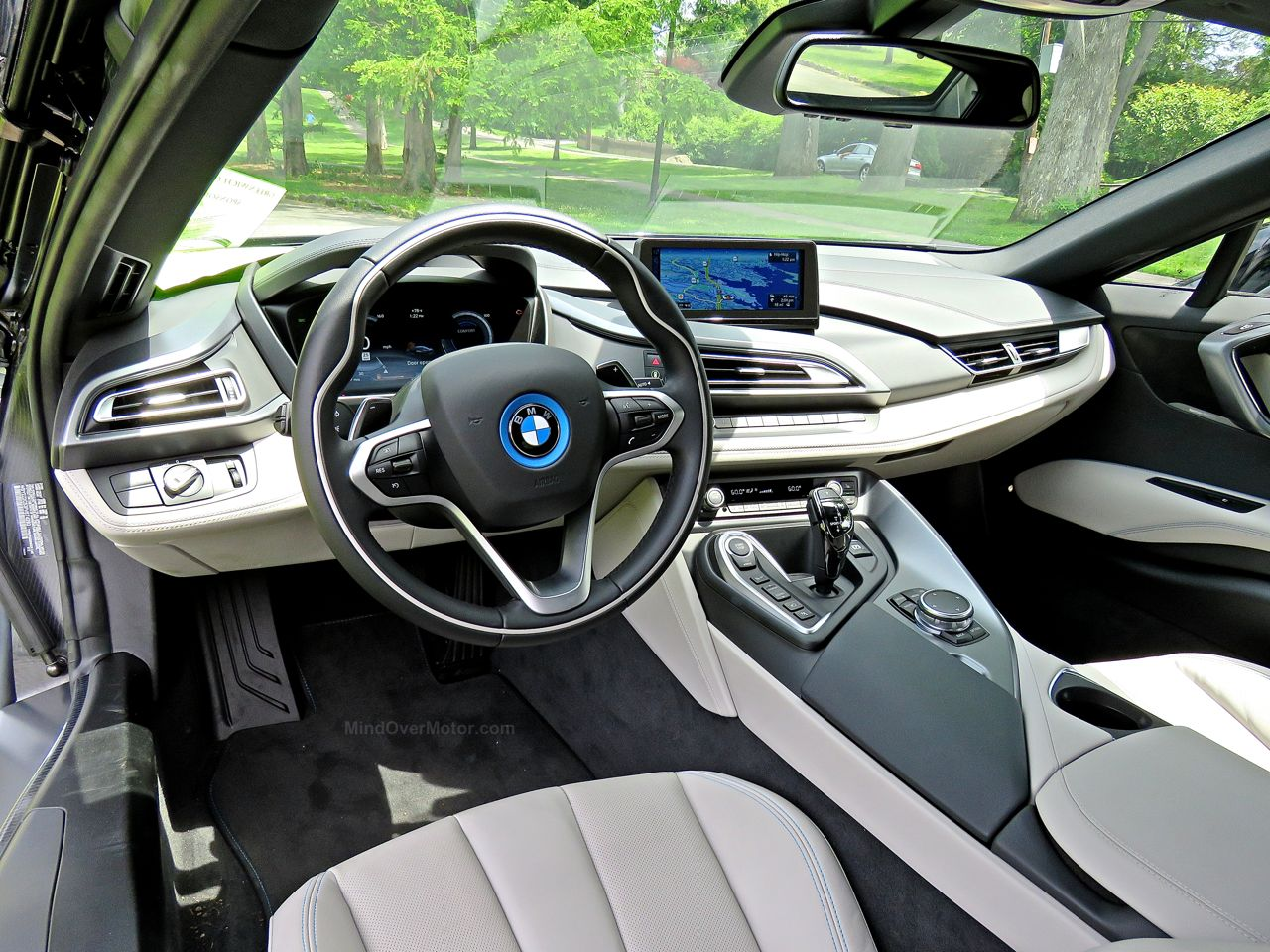 BMW i8 Review 15