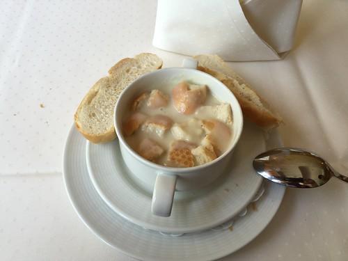 Potato soup / Kartoffelsuppe - Best Western Hotel Steinsgarten - Gießen