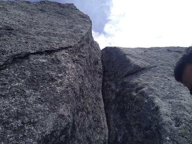 鳳凰山 地蔵岳 オベリスク 頂上直下の鎖