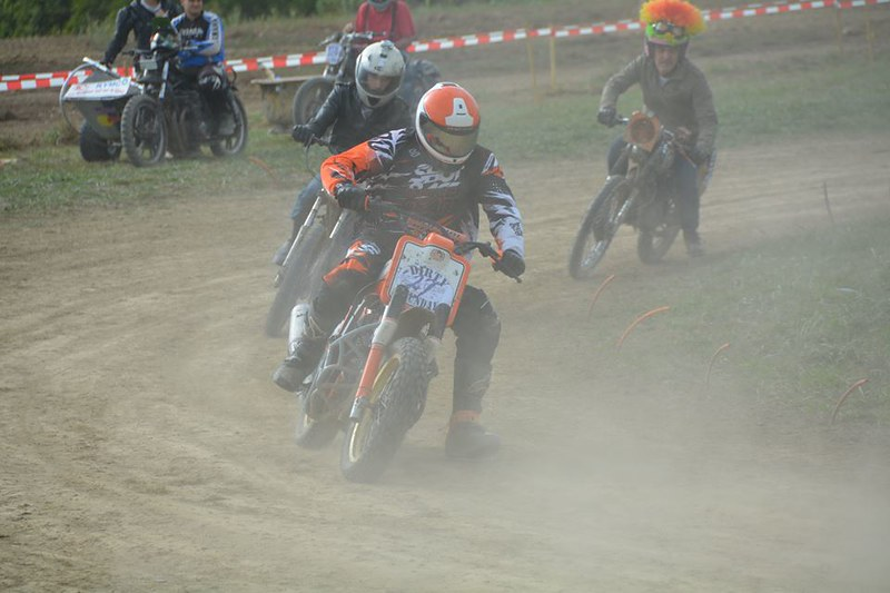 600 transalp flat track Dirty Sunday - Page 2 30056056302_fe700e1081_c