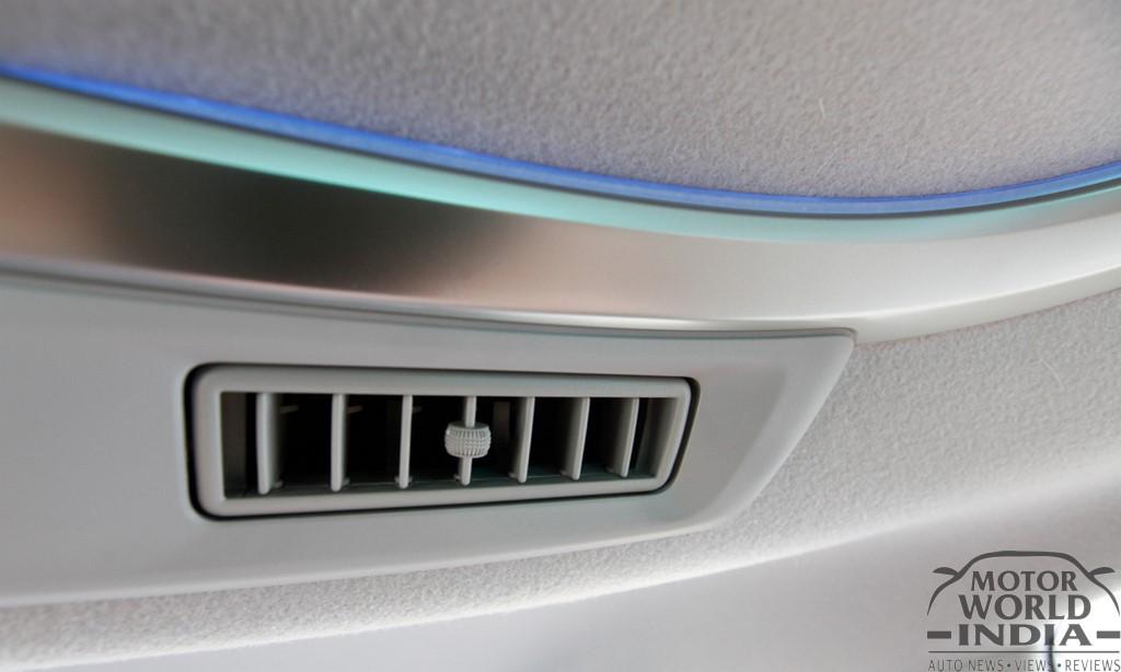 Toyota-Innova-Crysta-Interior-Lights (2)