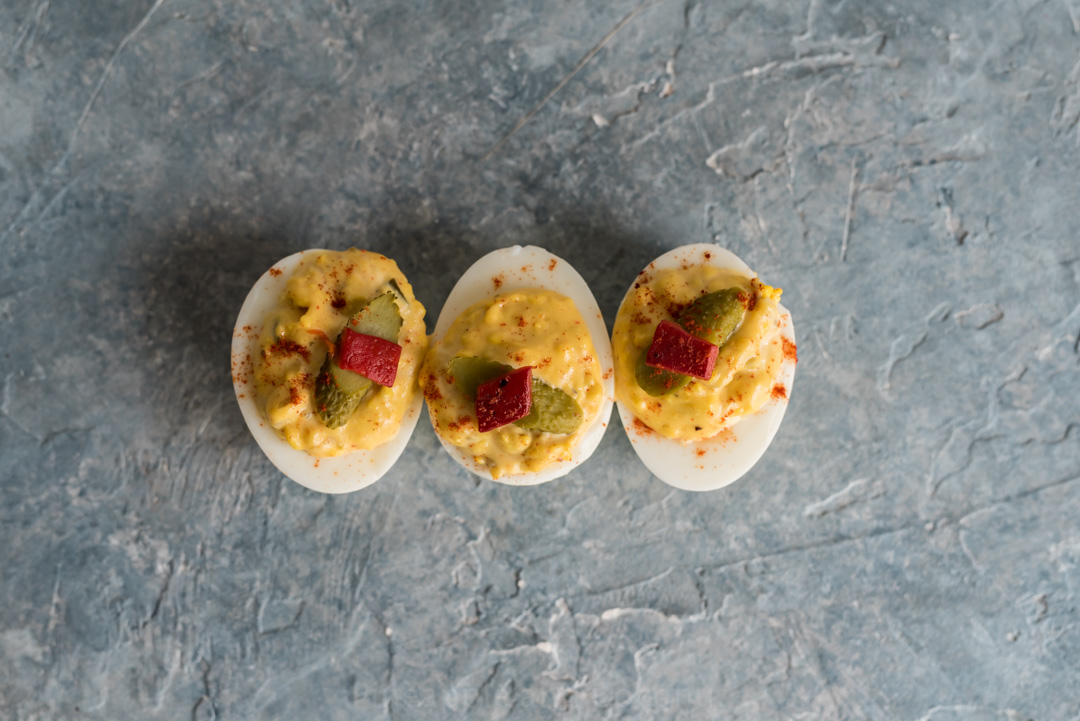 Spicy Southern Deviled Eggs www.pineappleandcoconut.comd Eggs-513