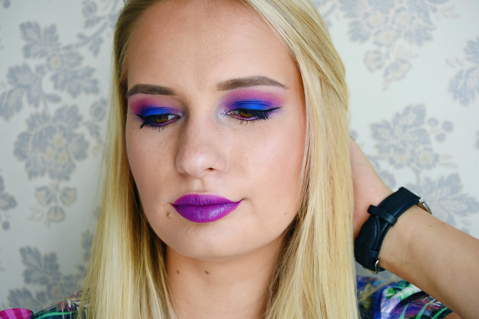 Urban Decay Electric Palette makeup look