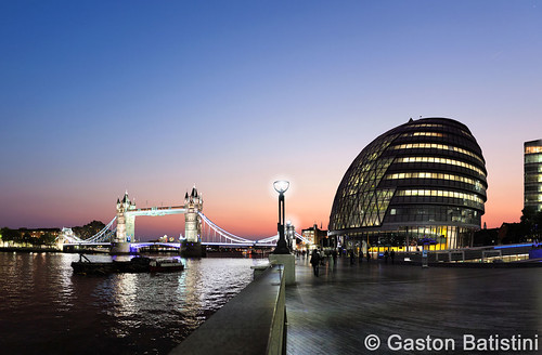 New day start, Tower Bridge, City Hall, London England, United Kingdom | by Gaston Batistini