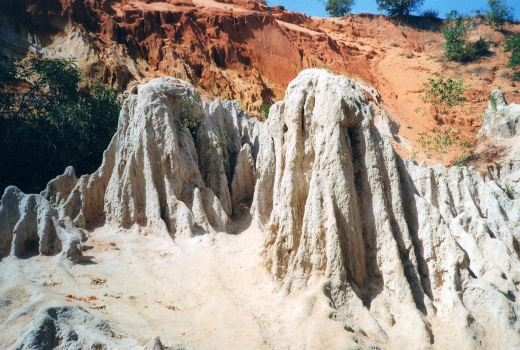 ghosting stones