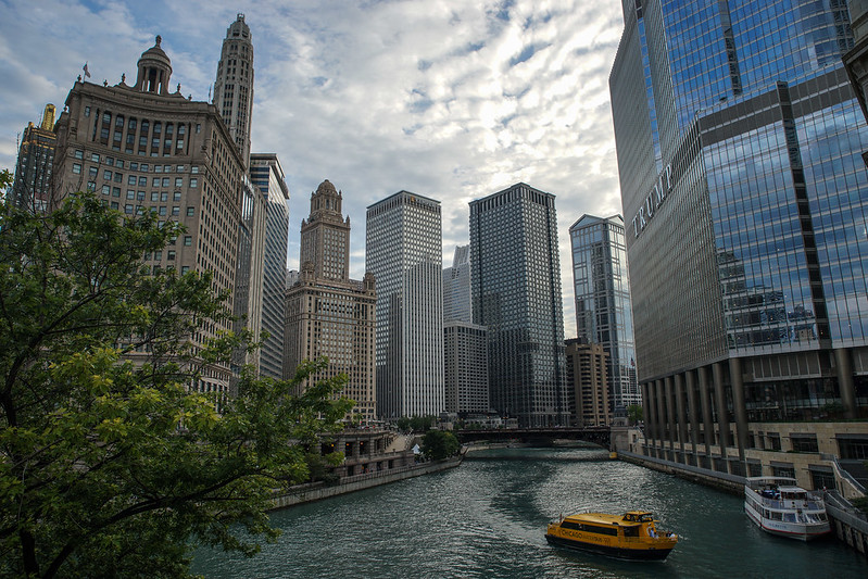 Chicago river side