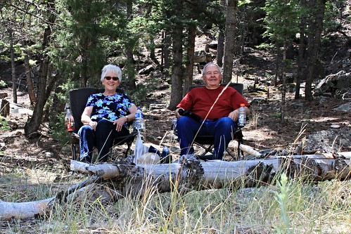 IMG_8524_Doug_&_Linda_at_Reading_Spot_at_End_of_Trail_Lake_Road_Dubois