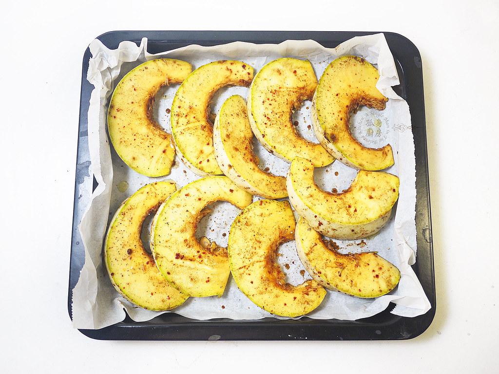 孤身廚房-烤鮭魚排佐香料烤南瓜及蒜香皇宮菜9